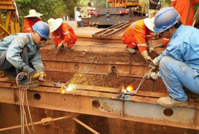 SMB WINNING CONSORTIUM INVESTS TO COMPREHENSIVELY REPAIR THE HIGH-STANDARD IRON BRIDGE FOR BOKE PEOPLE